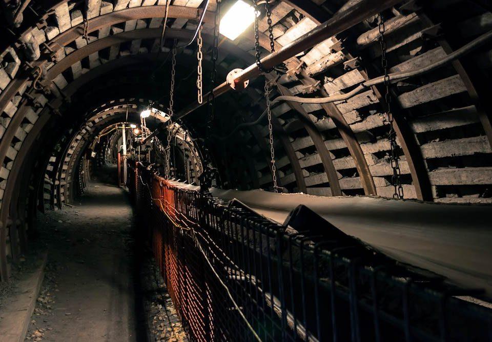 Conveyor in a coal mine simulation